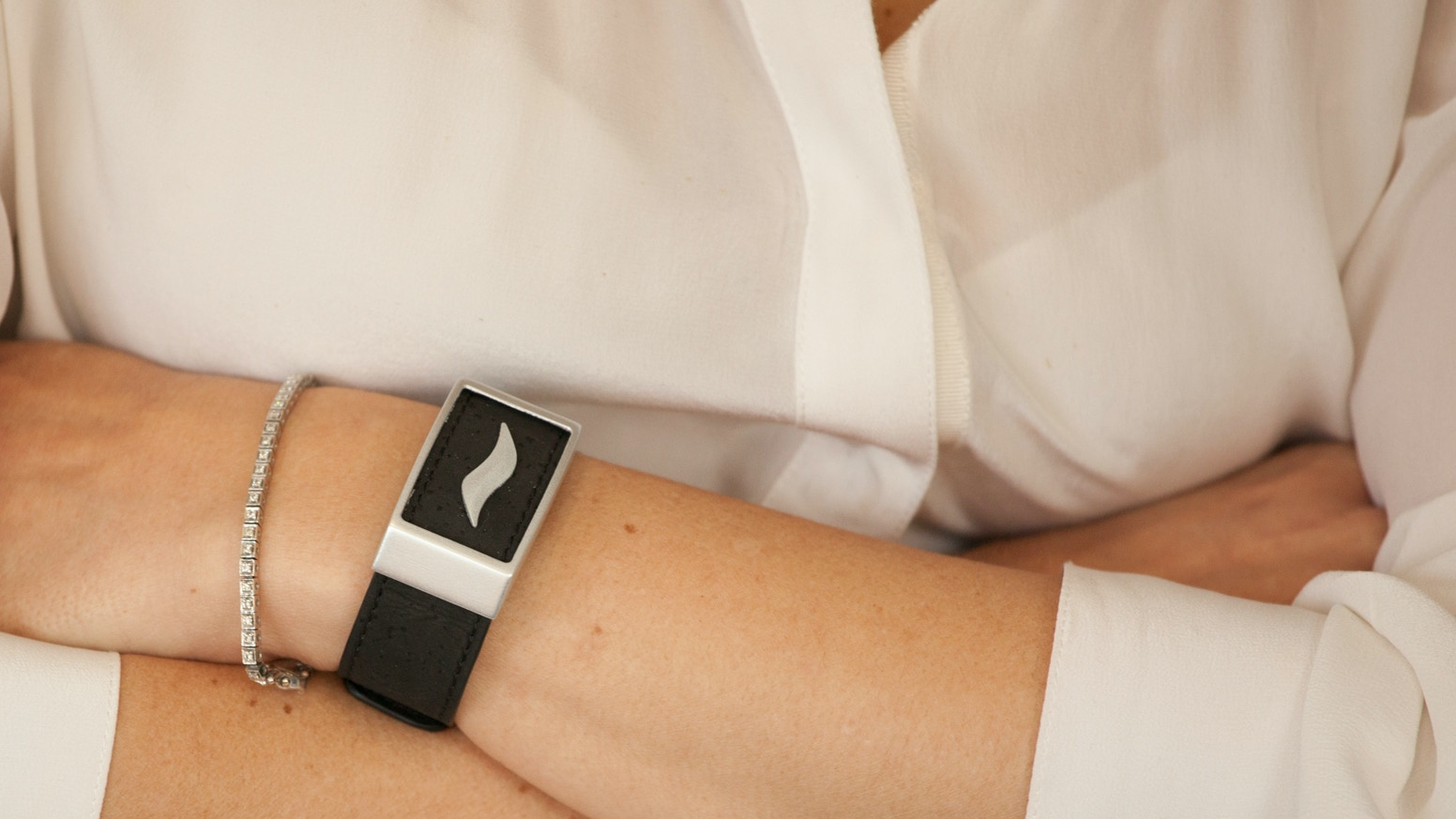 The WellBe is an elegant, light-weight bracelet and mobile app designed to indicate your stress triggers and provide immediate solution
