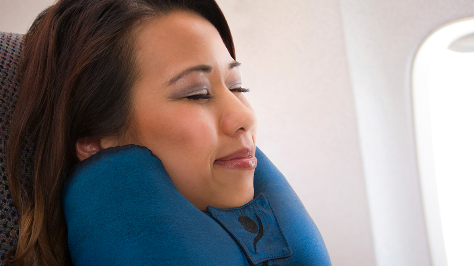Travel has evolved. Your travel pillow should evolve with it.