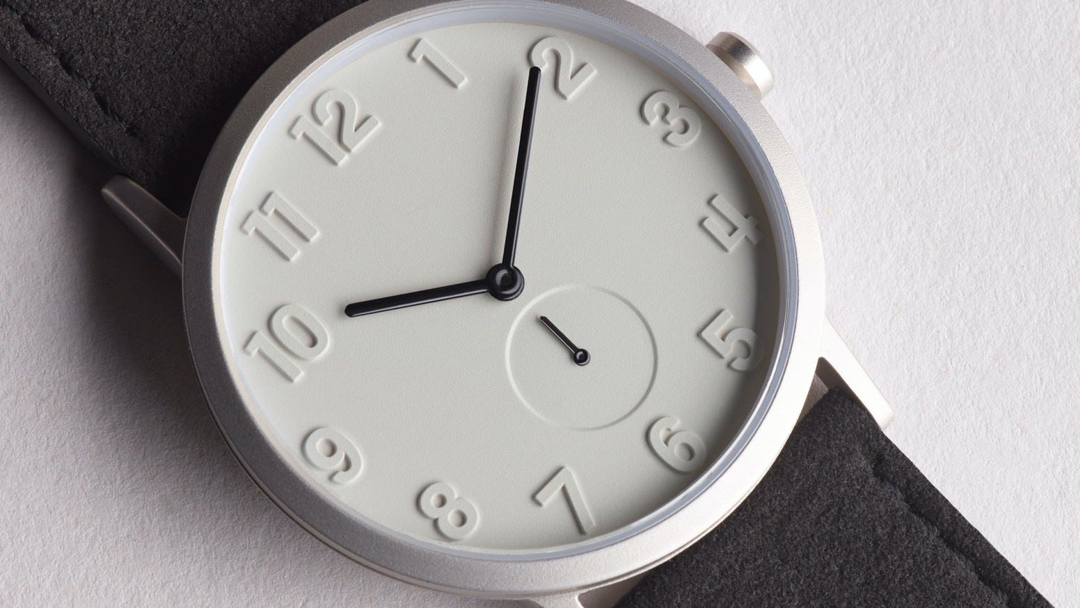 Beautifully subtle watches designed with attention to detail utilising awesome materials.