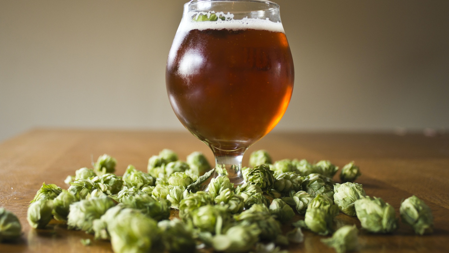 Round Table Hops is dedicated to revolutionizing craft beer by growing hops in a 4-season hydroponic hop greenhouse.