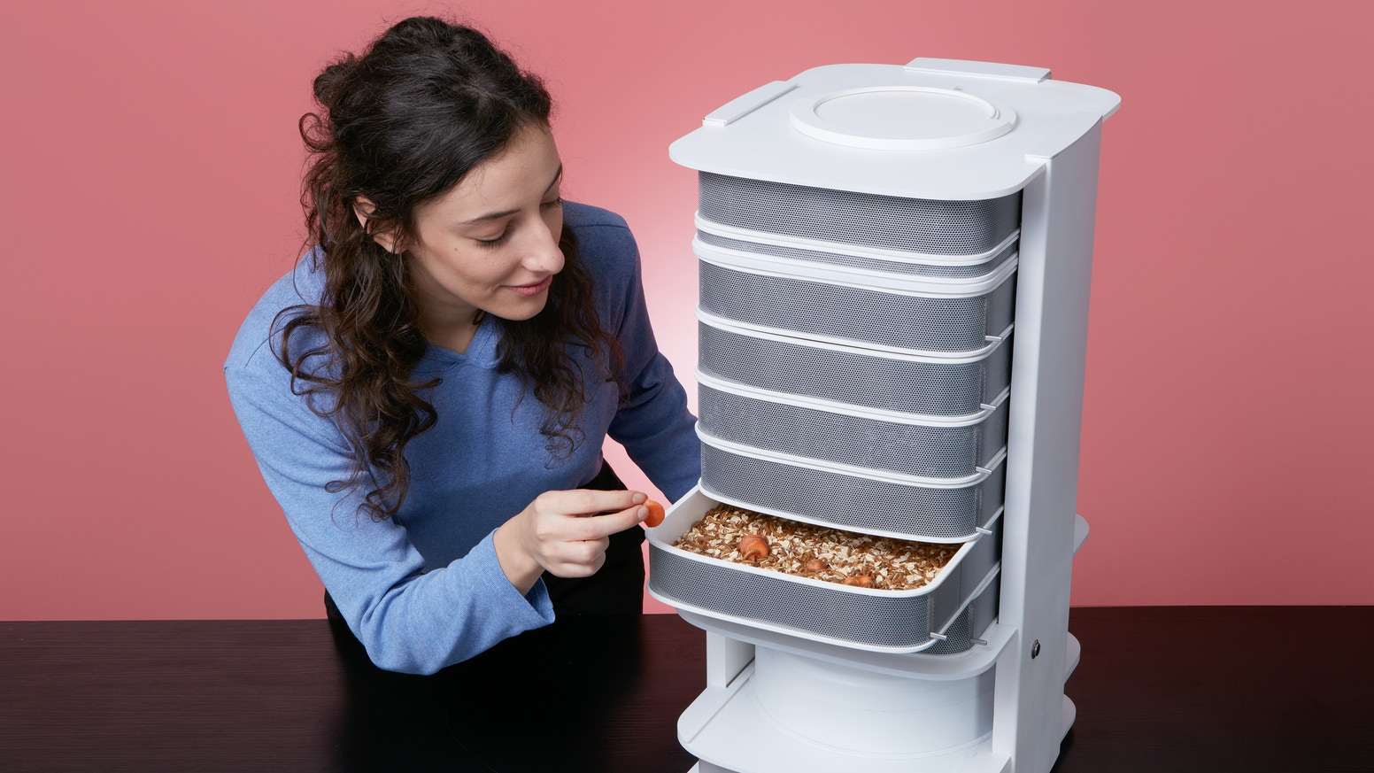 The World�s First Desktop Hive For Edible Insects : Empowering You To Grow A