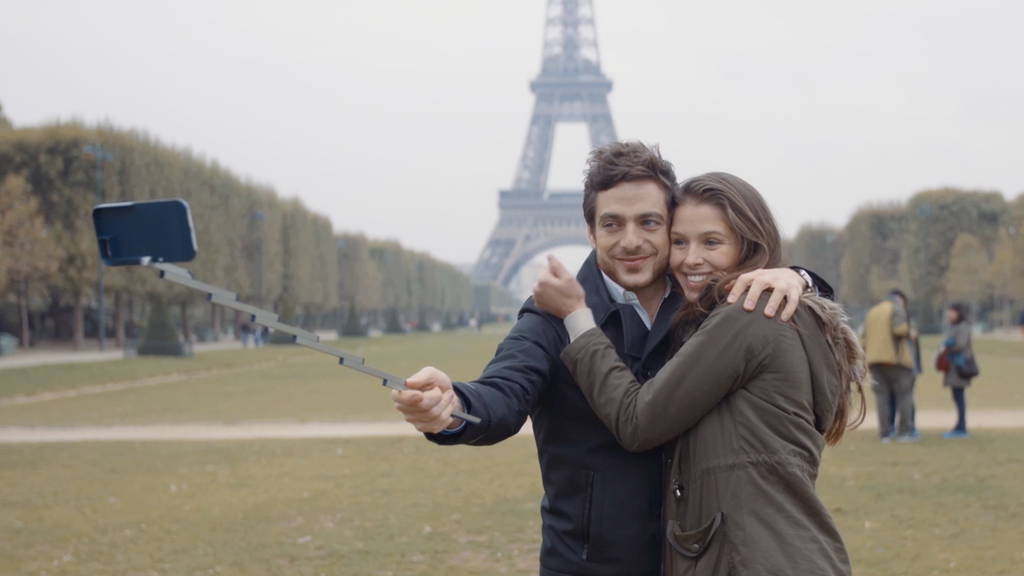 STIKBOX - the first selfie stick case for iPhone and Samsung miniatura de video del proyecto