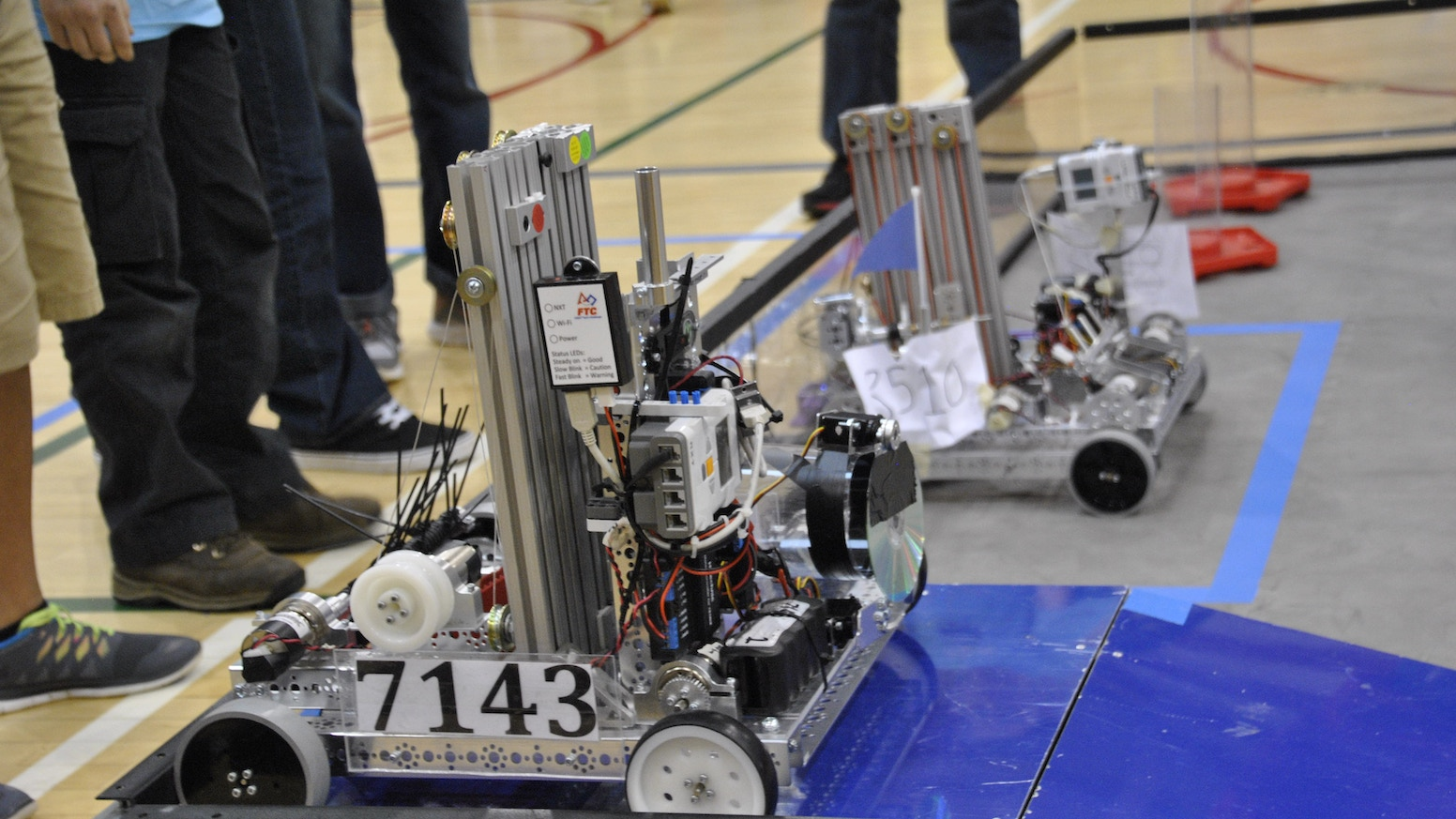 FIRST FTC Student Robot Construction Team #7143 by Fluid