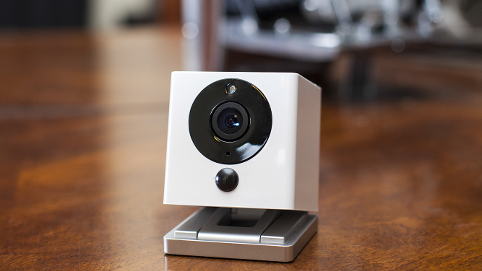 Finally, a smart home security camera with easy installation that can recognize smoke alarms and recap a day in seconds with Time Lapse