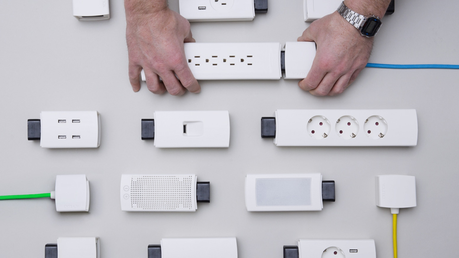 Youmo Your Smart Modular Power Strip By Good Gadgets Kickstarter Wiring Up A French Plug Multi Charging That Is Smarter Stylish And Designed For You