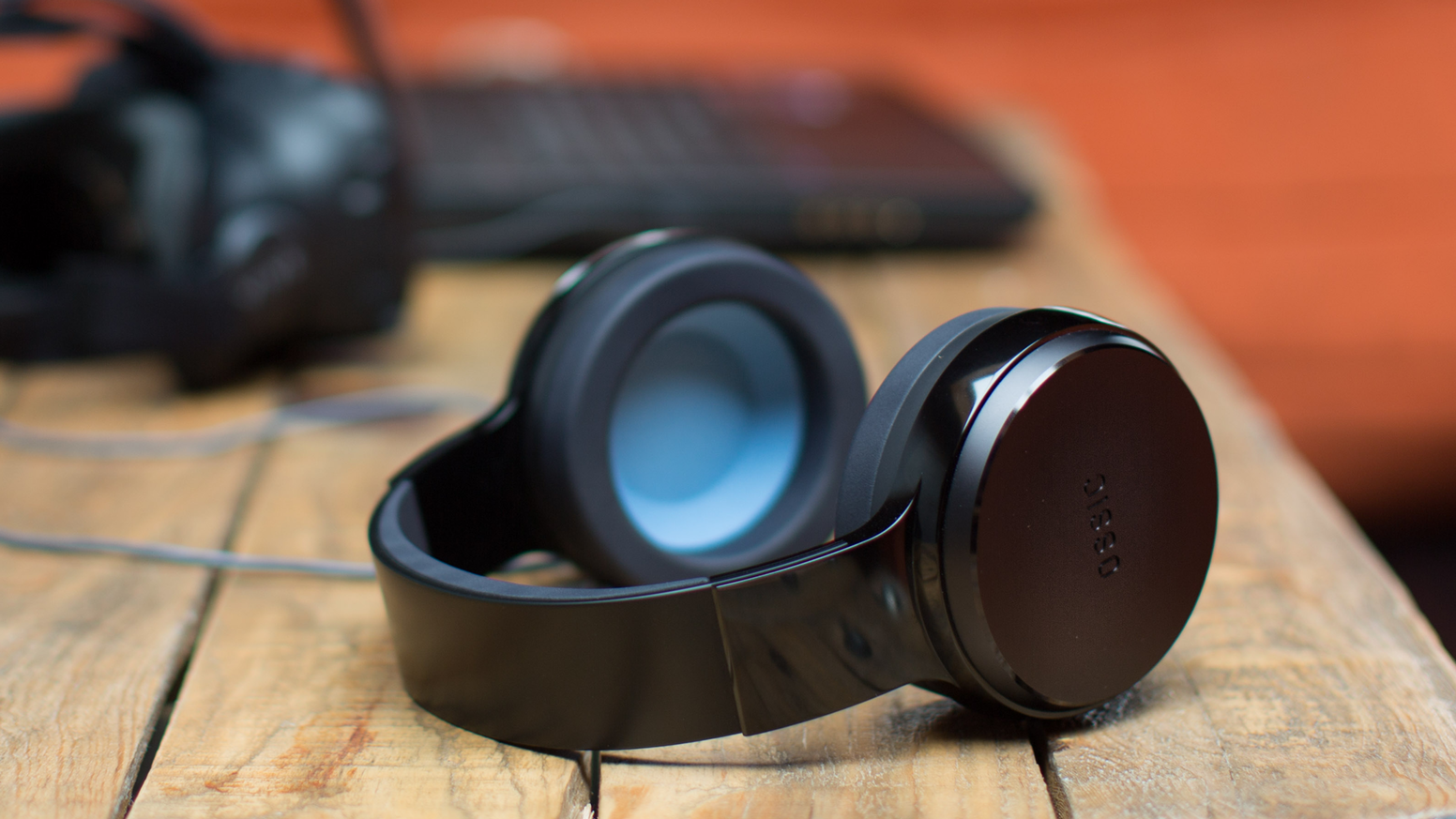OSSIC X is the world's first headphone that instantly calibrates to your anatomy for the most accurate and immersive 3D audio.