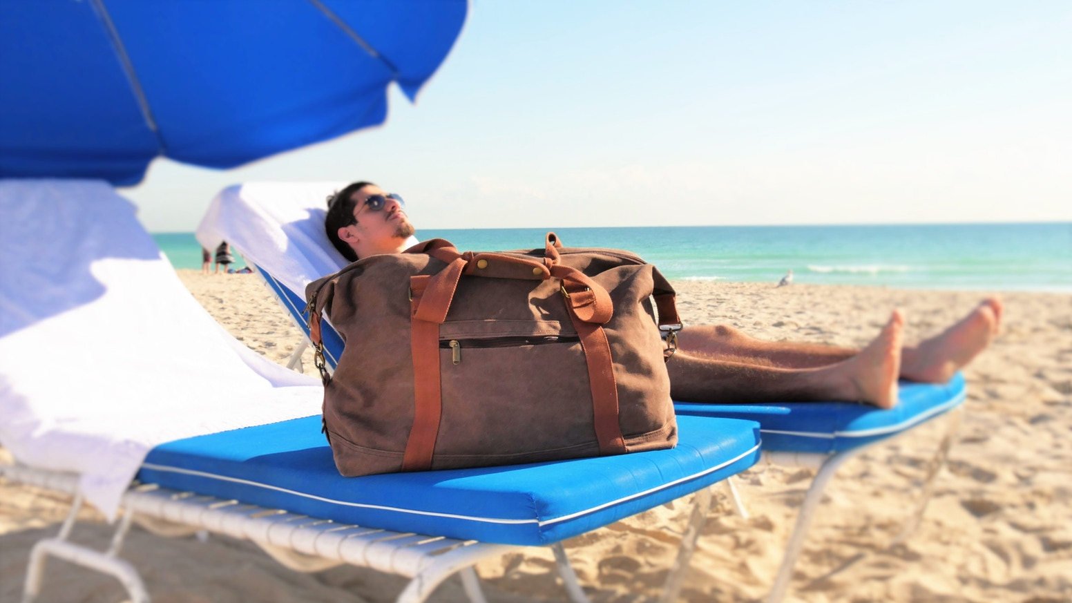 Innovative design with a Sand-Discharge Mesh, Beach Towel Holder, Cooler pocket, Built-In USB ports, 10 Utility pockets and much more.