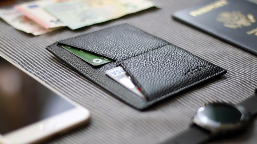 Dash | Minimalist Travel Wallet project video thumbnail