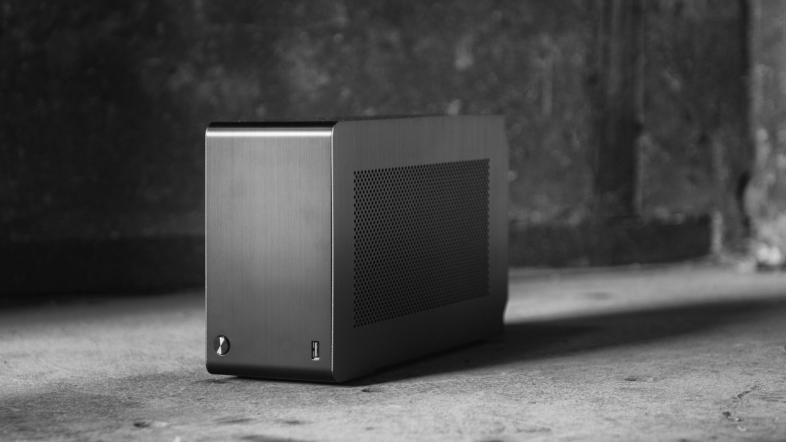 The A4-SFX is a project with the goal of creating the smallest case possible while still using high-end standardized components.