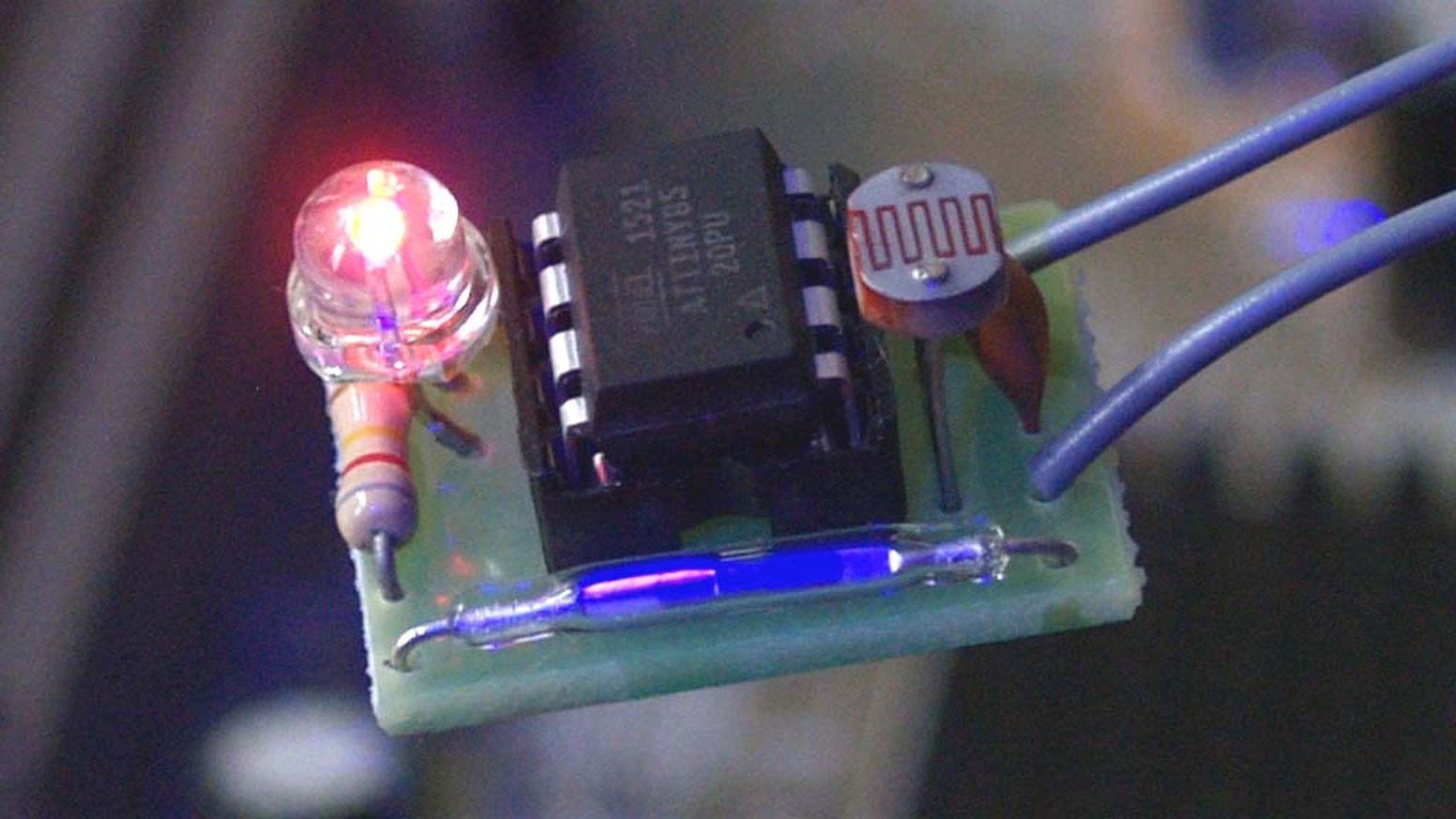 Led night light kickstarter - Geocaching Reactive Light Kit For Night Caching