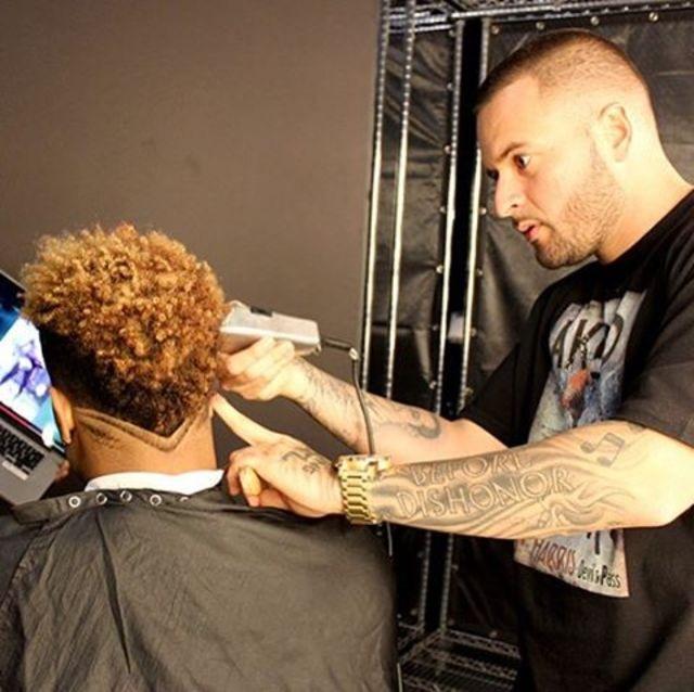 SUPER REWARD - Haircut with Celebrity Barber Arthur Pique