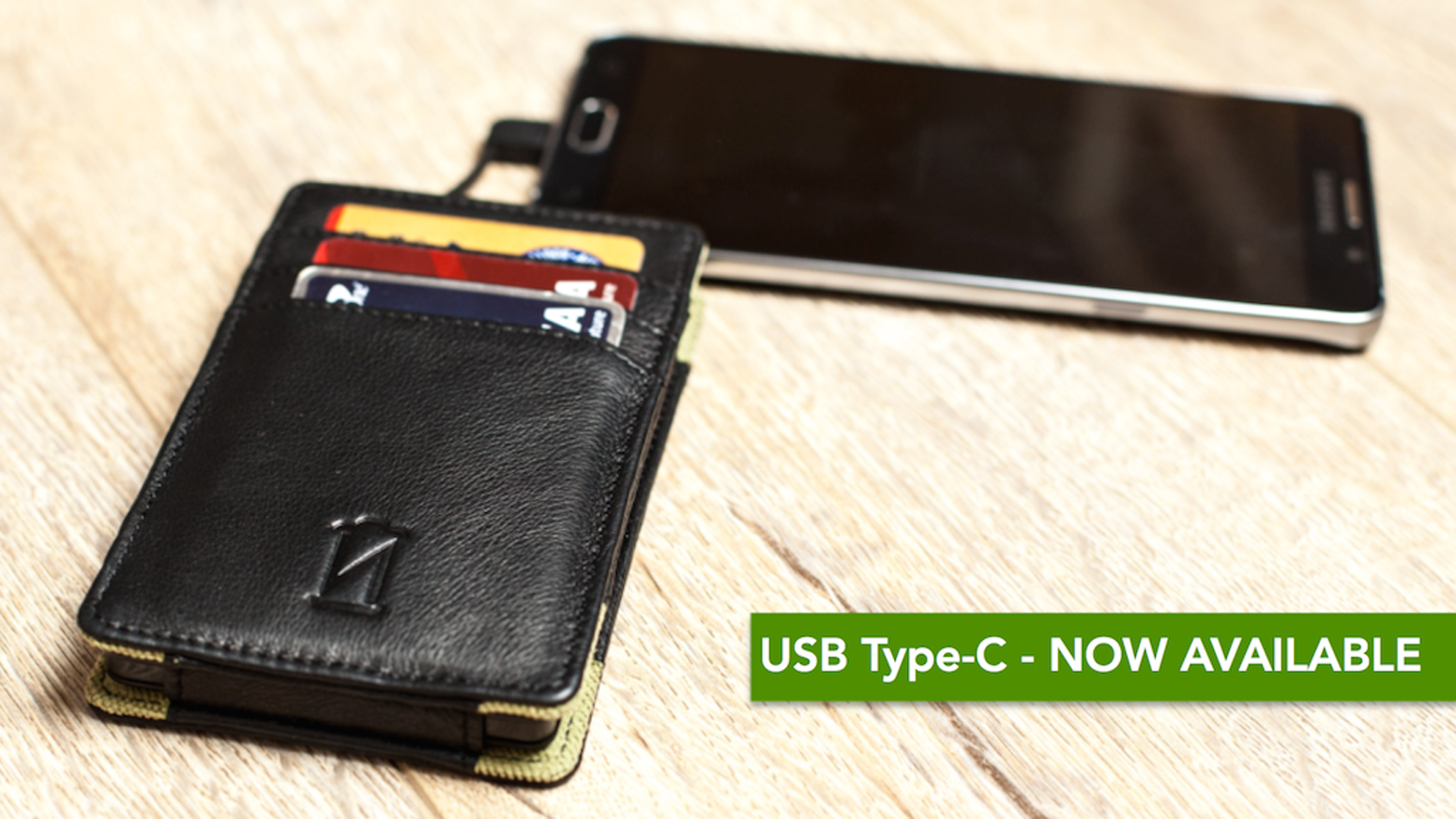 Never have your phone die on you again! With a 4,000 mAh battery bank built into our wallet, it is the perfect everyday carry solution.
