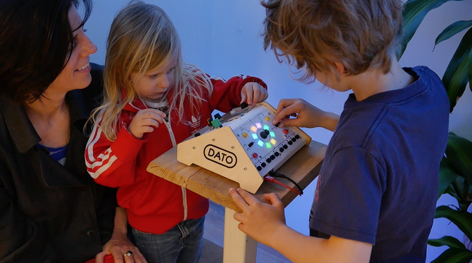kids figuring out how the DUO works on one of our early prototypes