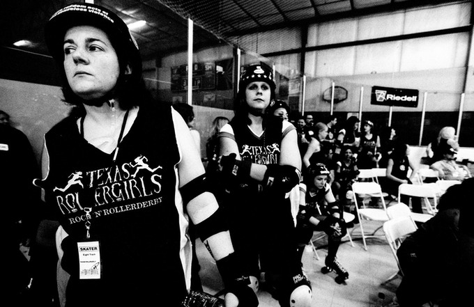 8 Track & Derringer line up before a bout in Tucson