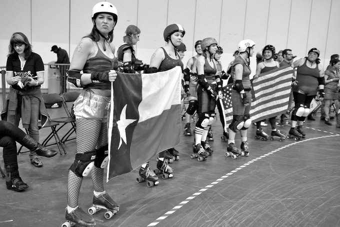 The Hustlers line up before their first bout in London