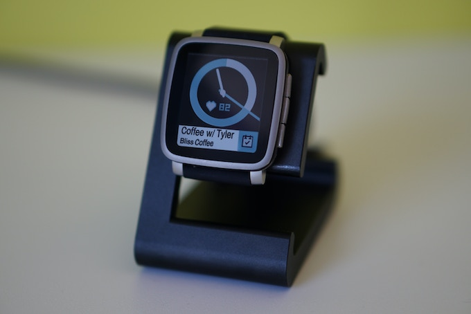 Pebble Time 2 charging on a Black TimeDock