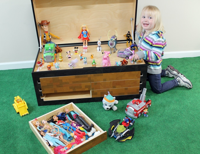 The Larscraft Maker's Chest is also great for dolls and action figures.