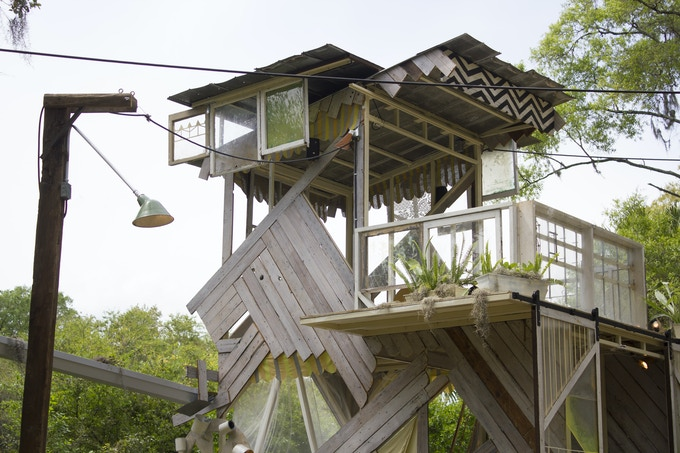 Pitchbow House, by Alyssa Dennis and Ranjit Bhatnagar created with Airlift at a residency in Tampa Bay, 2016, photo by Alyssa Dennis