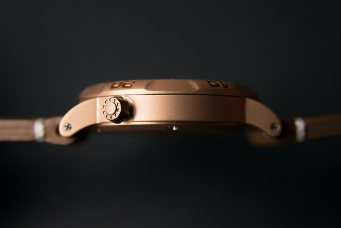 Custom S logo crown. 11 mm Thin case only weight 40g without strap.