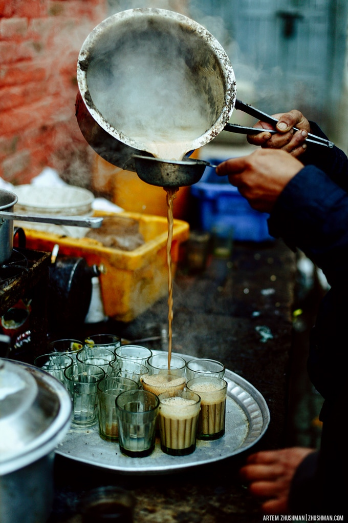 Preparing milk tea in Kathmandu Durbar Square