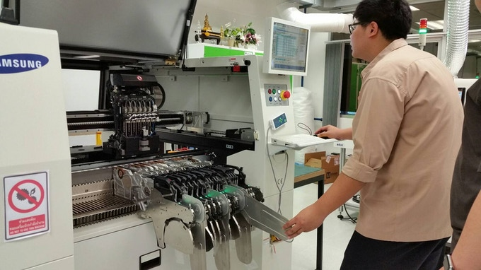 Pick-and-place machine configuration before RuuviTag prototype run.