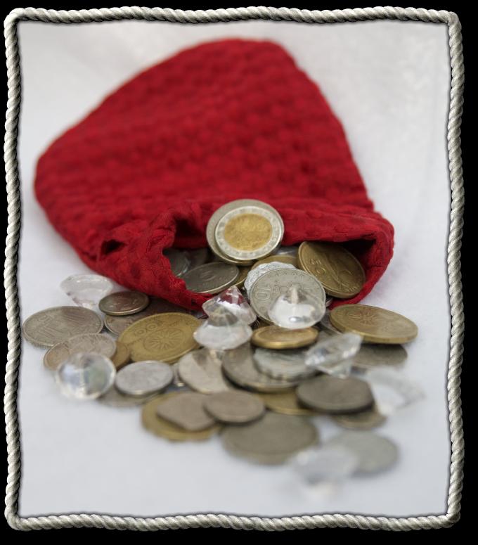 Custom bag of 100 metal coins and acrylic gems