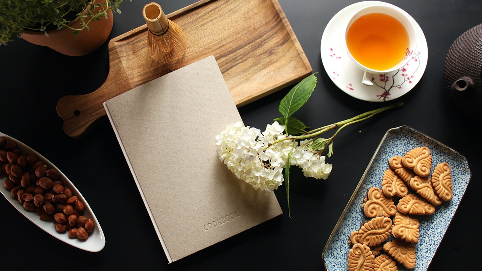 A cooking journal with a unique interface that helps you develop signature recipes and create a personal culinary heritage