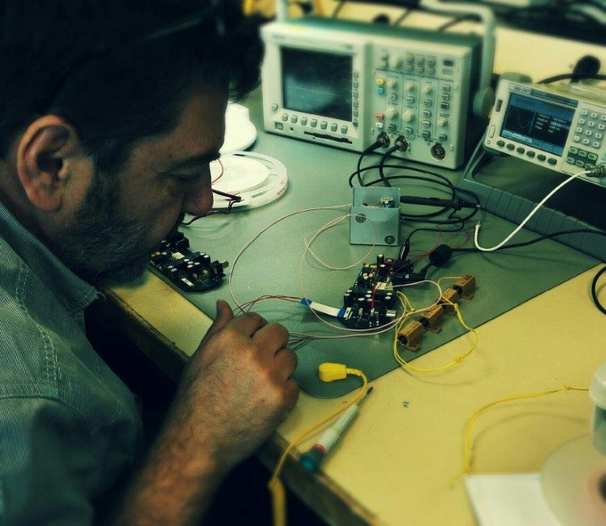 Our electronic expert is putting so much energy in this project… Jean Luc, well done