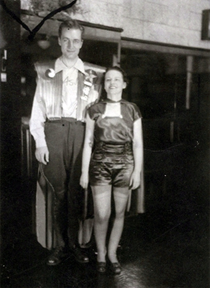 The first ever cosplay: Forrest Ackerman with Myrtle Jones in 1939.
