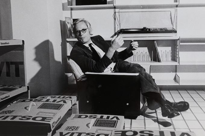 Dieter at the Vitsoe showroom in Frankfurt, early 1970s