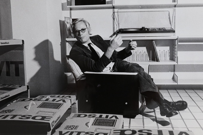 Dieter at the Vitsoe showroom in Frankfurt, early 1970s