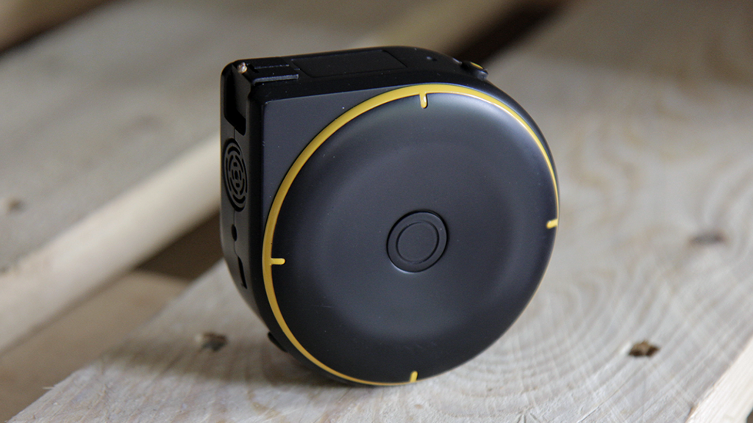 Electronic Tape Measure : Bagel the world s smartest tape measure by labs