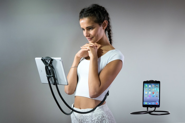 HOLD YOUR SMARTPHONE and TABLET + FREE YOUR HANDS with a NEW MULTI-TASKING device! contact: info@sospendo.com