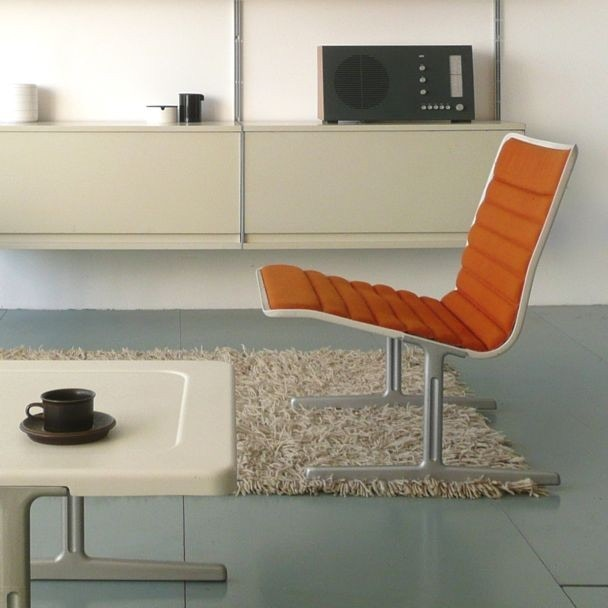 Vitsoe 606 Universal Shelving System / 601 Chair Program (1960 / 1961)
