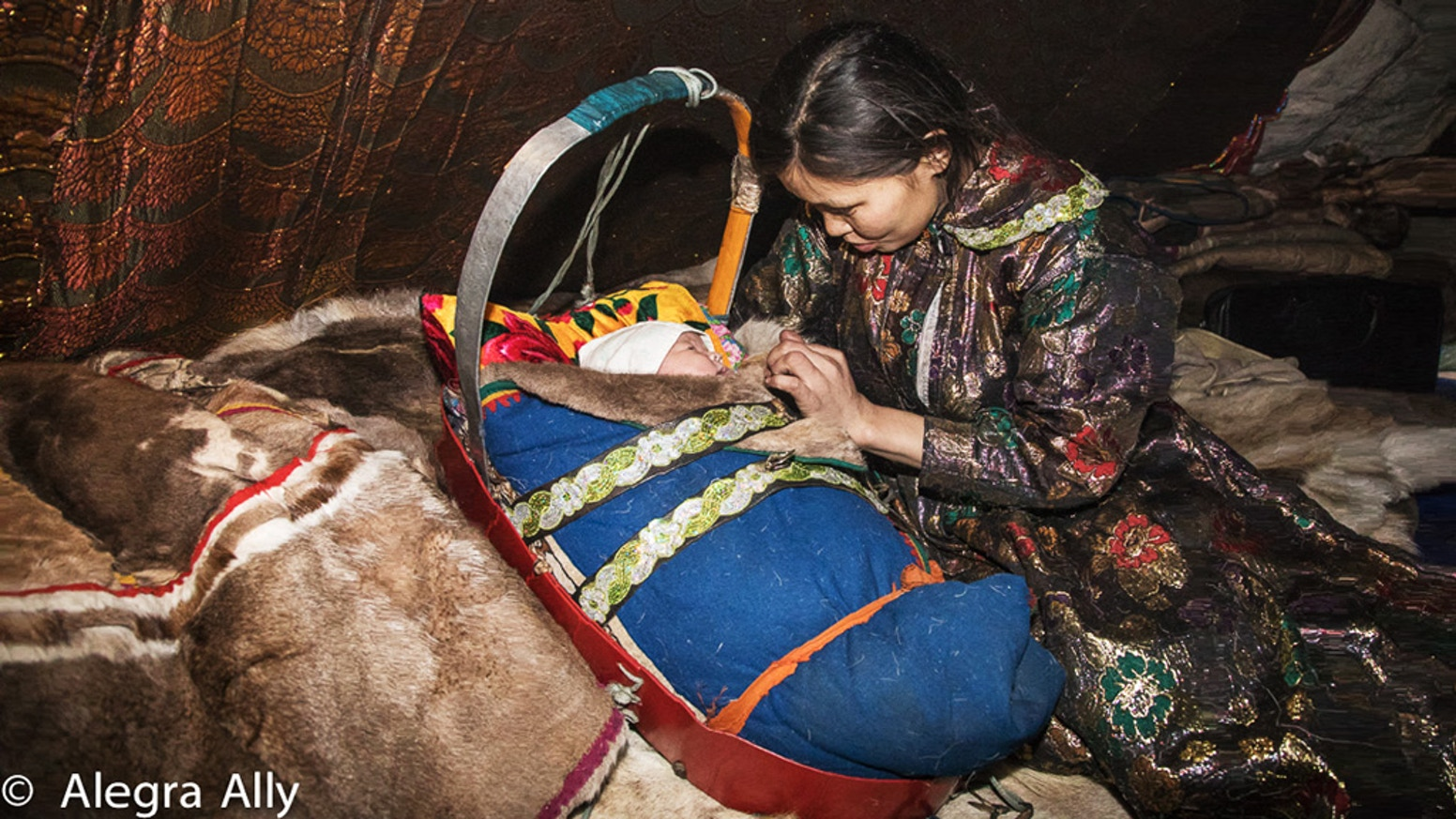A rare visual photographic documentation of a vanishing way of life: pregnancy and childbirth amongst Nenets women in Siberia