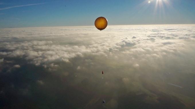 Balloon, parachute and probe head