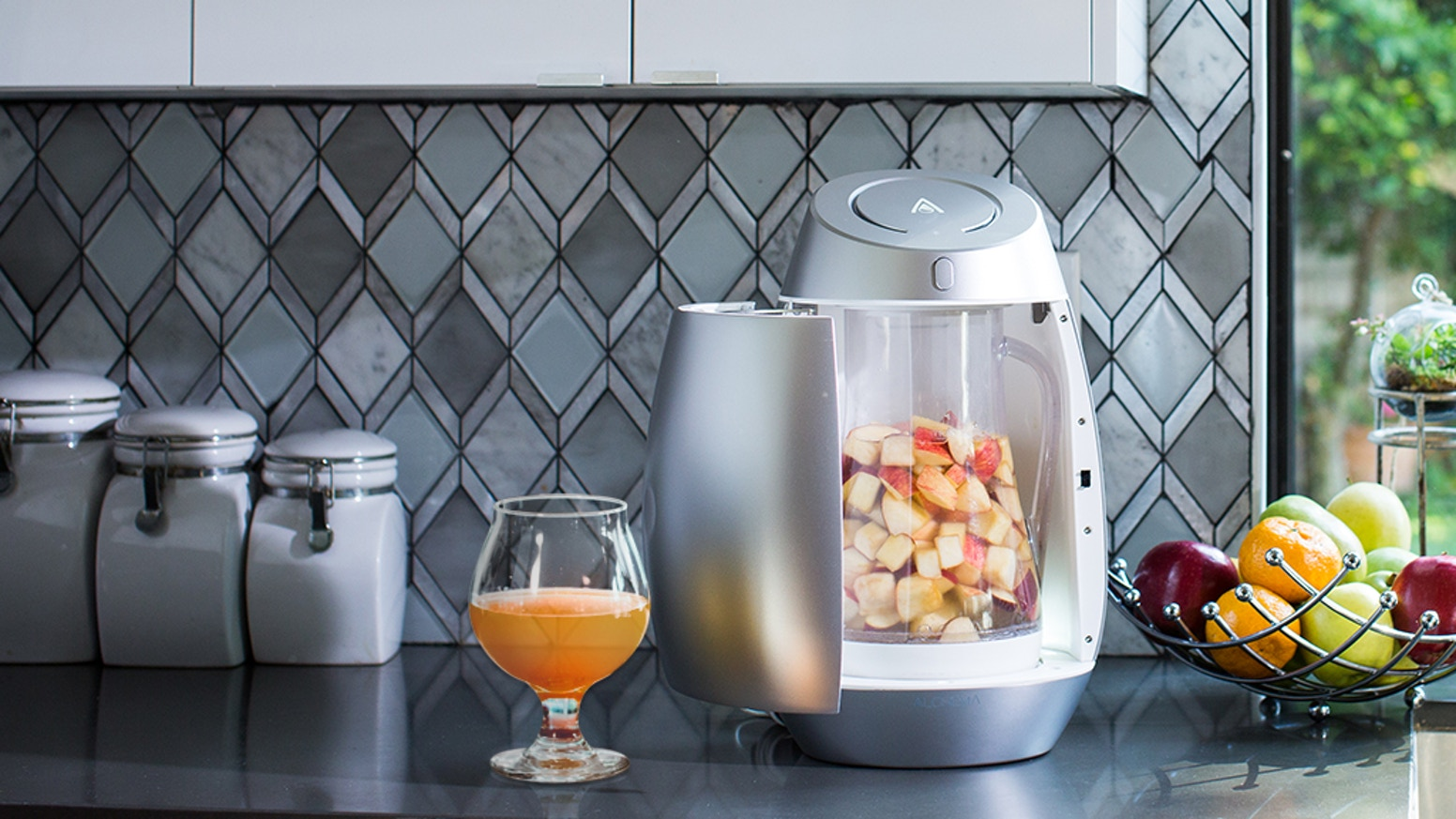 Make your own delicious craft cider at home from fresh fruit. Explore creative flavor combos with your friends and family.