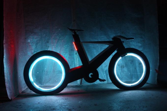 THE CYCLOTRON BIKE - Revolutionary Spokeless Smart Cycle by ...