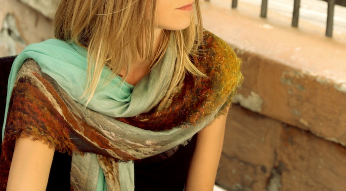 You can change your style completely just with a scarf. And I would like to be the one who makes that scarf for you.