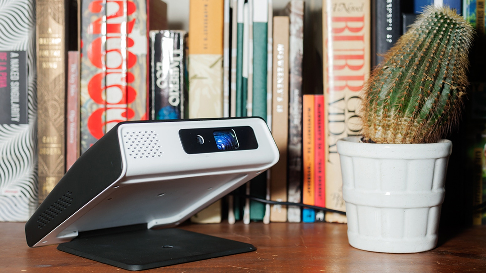 Open up your digital worlds with the most sophisticated, intuitive android smart projector.