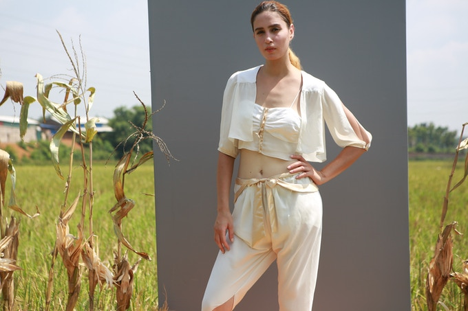 Bucolic top also includes the beautiful crop kimono if you chose it in your tier