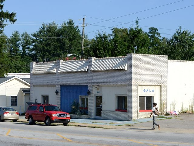 Retail Exterior (left 1/3 of building)