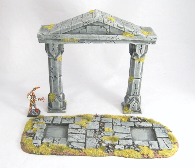 The arch can be removed from the base for ease of gameplay.