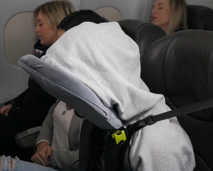 Hoodie (or blanket) on, eye mask & headphones in...Lights Out!