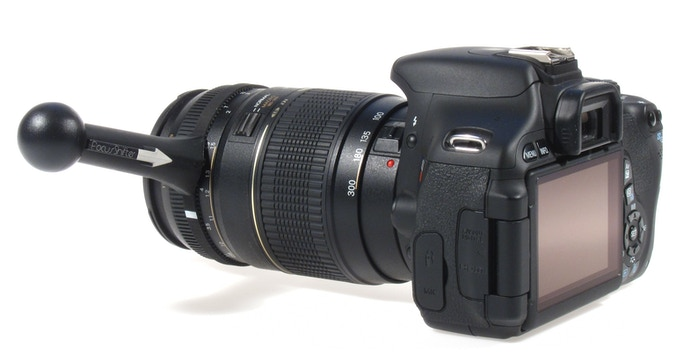 An example of a compatible zoom lens. This lens has enough space between the focus and zoom rings.