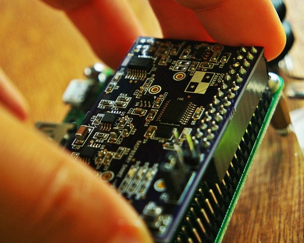Raspberry Shake is a module easy to plug into your Raspberry Pi