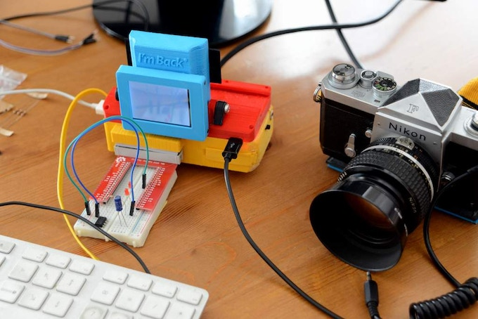 Raspberry Pi - This is the only box that allows you to realize your projects and fit in a analog 35mm camera and take digital photos!