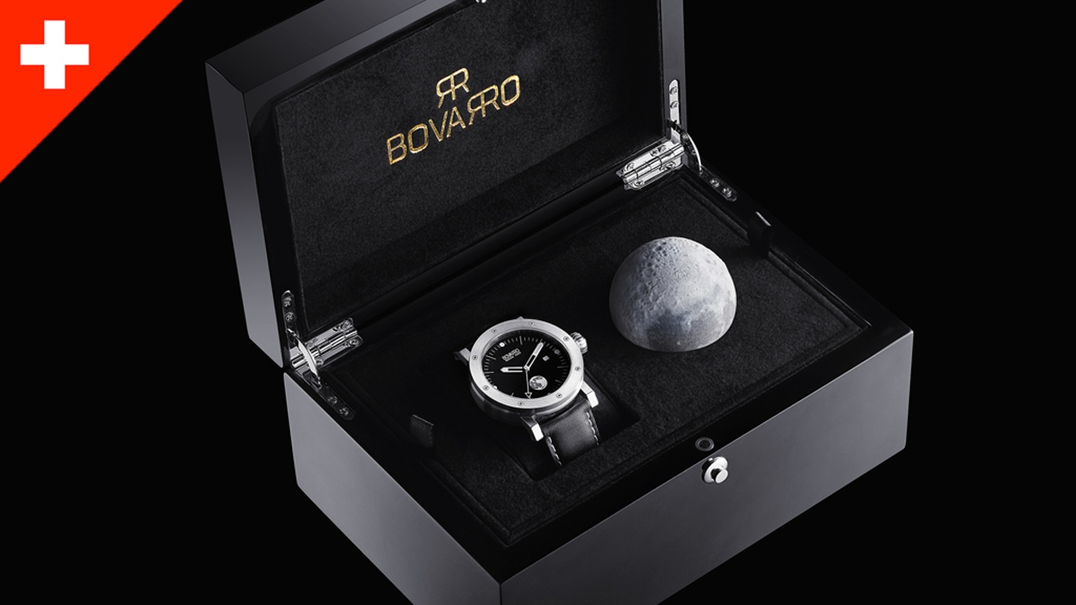 Assembled in Switzerland, an Automatic Watch inspired by 1969 Apollo 11 Lunar Landing. 42 & 46 mm cases in Stainless Steel or 18K Gold