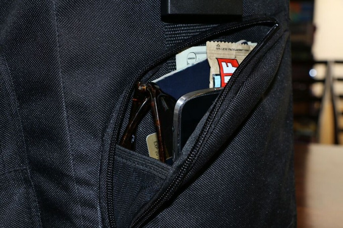 Easy access side pockets