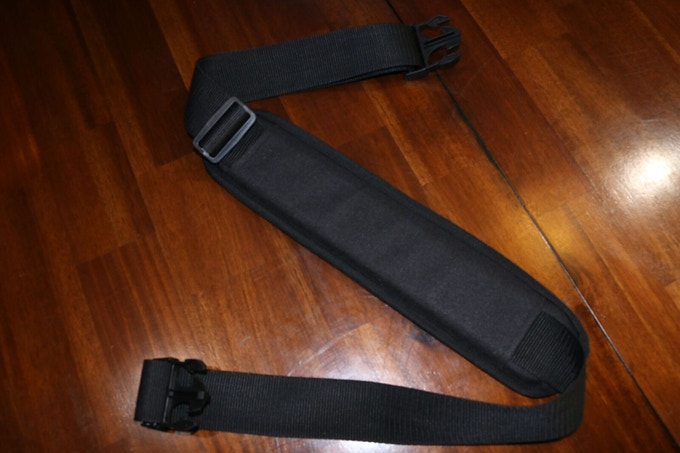 Sturdy shoulder strap with heavy padding(included at every pledge level)
